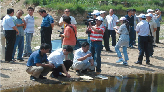 中心专家组调研地方绿色生态农业