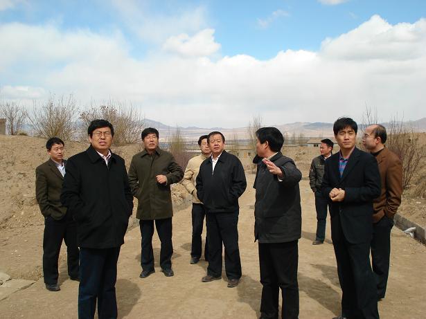 中心组织中央党校、国家行政学院等专家调研浑源民企
